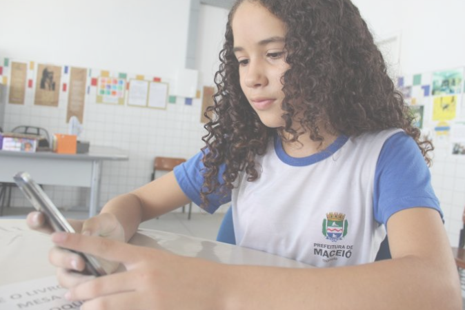 Escola municipal de Maceió testa aplicativo de combate ao bullying