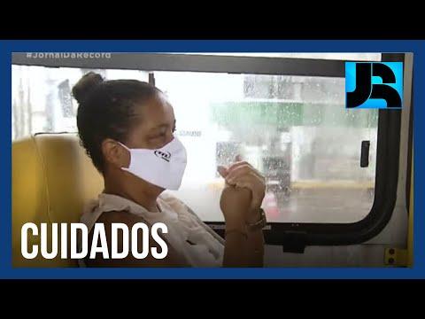 Jornal da Record mostra como os trabalhadores estão se protegendo da covid-19 no transporte público